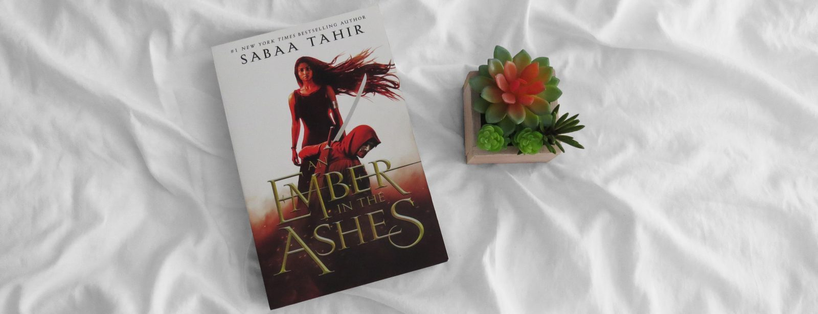 Review | An Ember in the Ashes by Sabaa Tahir