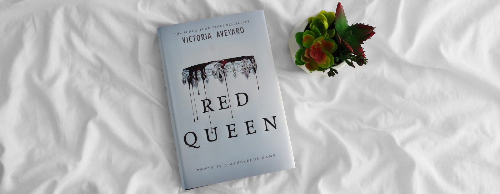 Review | Red Queen by Victoria Aveyard